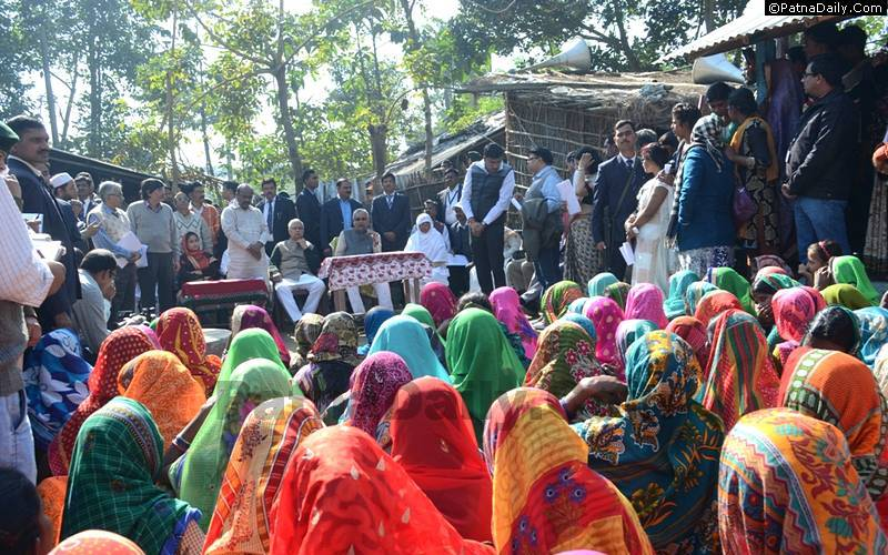 Nitish Kumar speaking to women in Araria on Dec. 12, 2016 during his ongoing 'Nishchay Yatra'.